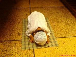 kolom-ketaatan-beribadah-seorang-budak-986_l