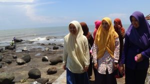 Ma'had 'Aly (KPM 2015) Dokumenter, di Pantai Ujung Negoro, Batang.
